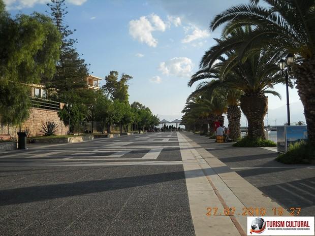 Grecia Nafplio aleea palmierilor (faleza)