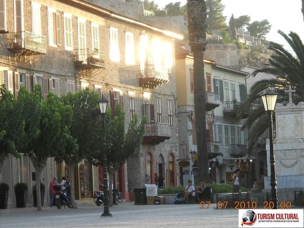 Grecia Nafplio piata (una din pietele orasului)