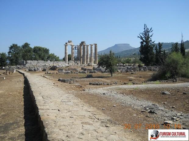 Grecia Nemea spre Templul lui Zeus