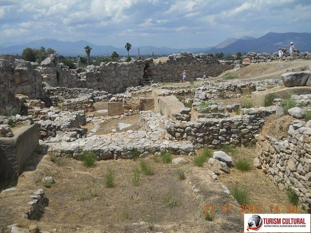 Grecia Tirint partea de nord