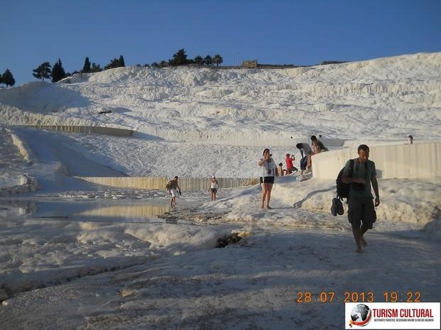 Turcia Pamukkale dealul de bumbac