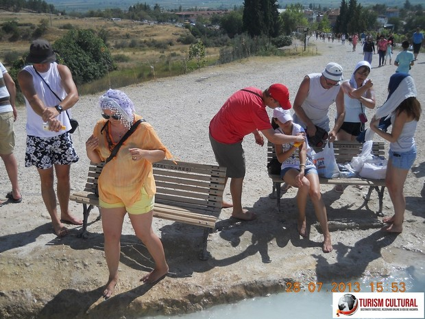 Turcia Pamukkale descaltare