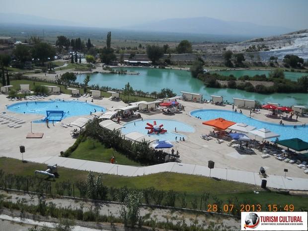 Turcia Pamukkale strandul si lacul