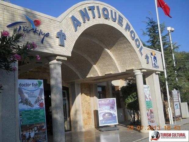 Turcia Hierapolis piscina Cleopatrei intrare