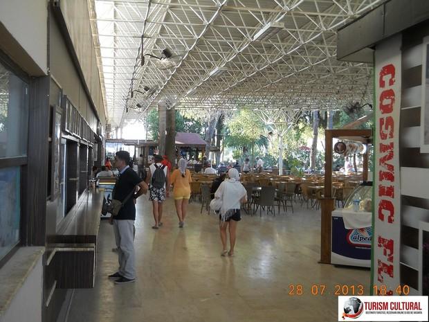 Turcia Hierapolis piscina Cleopatrei restaurant
