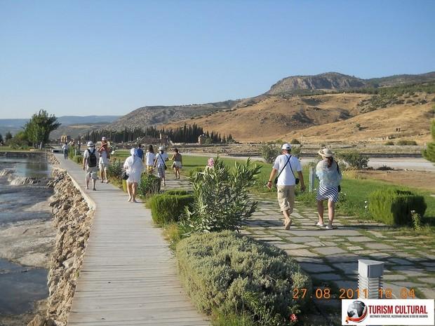 Turcia Hierapolis spre necropola