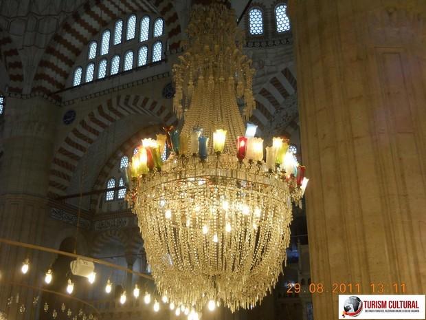 Turcia Edirne Moscheea Selimiye candelabru