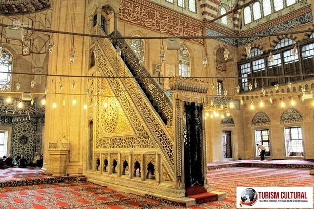 Turcia Edirne Moscheea Selimiye minbar
