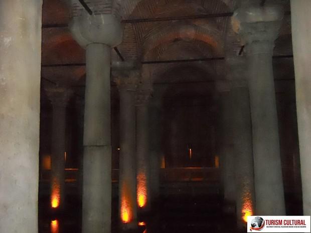Turcia Istanbul Basilica Cisterna coloane