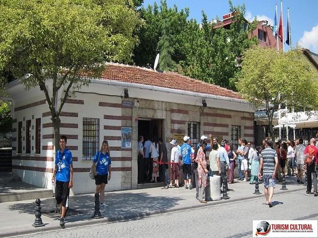 Turcia Istanbul Basilica Cisterna intrarea