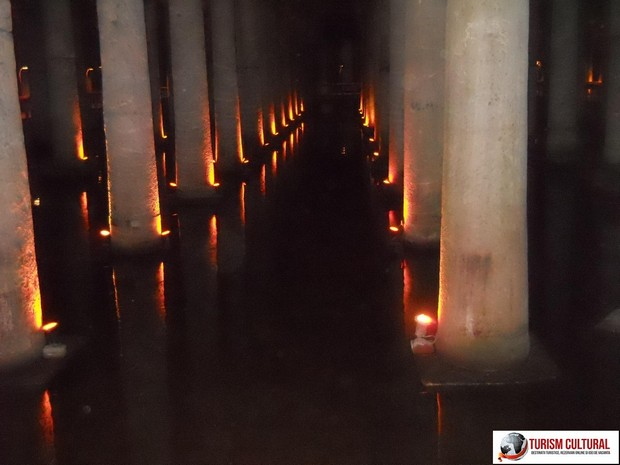 Istanbul Basilica Cisterna spoturi lumina