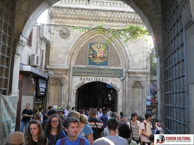 Istanbul Marele Bazar intrarea Kapalicarsi