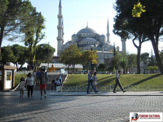 Turcia Istanbul Moscheea Albastra spate