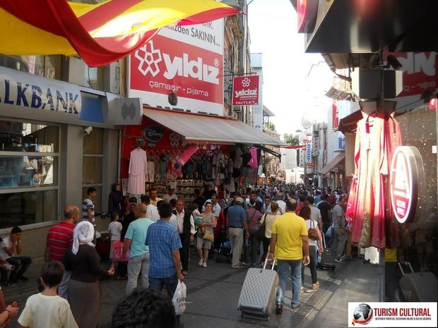 Turcia Istanbul strada comerciala