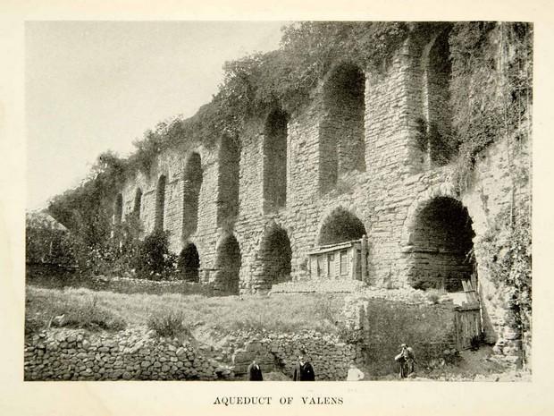 Turcia Istanbul Apeductul lui Valens fotografie arhiva