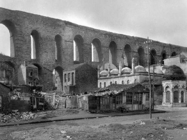 Turcia Istanbul Apeductul lui Valens fotografie sec 19