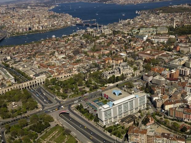 Turcia Istanbul Apeductul lui Valens Moscheea Sehzade