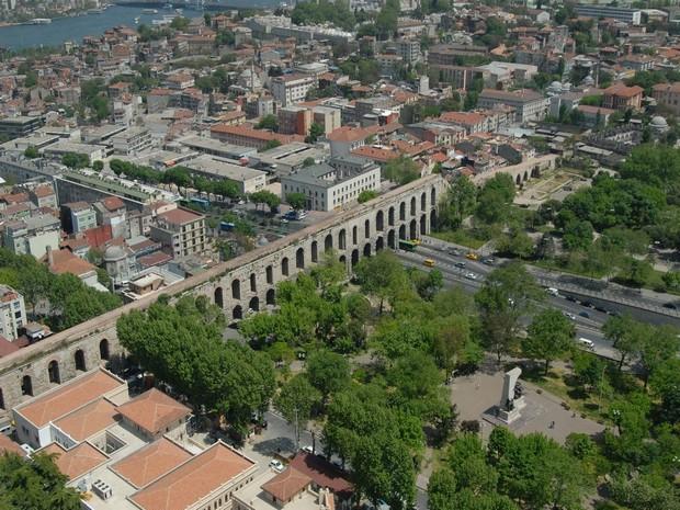 Turcia Istanbul Apeductul lui valens parcuri