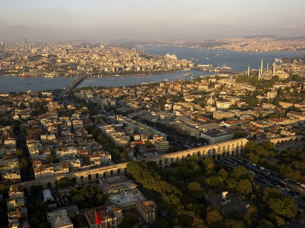 Turcia Istanbul Apeductul lui Valens vedere aeriana