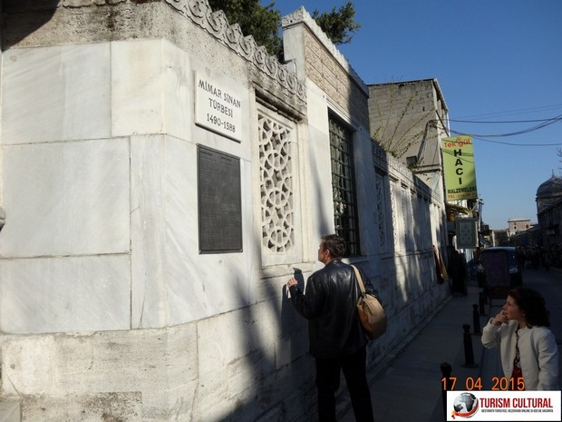 Turism Cultural - Moscheea Suleymaniye mormantul lui Mimar Sinan