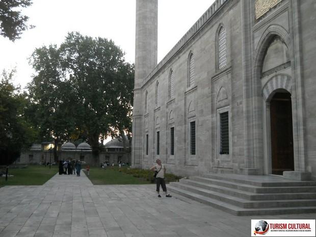 Turism Cultural - Moscheea Suleymaniye Florione mama ce mare este