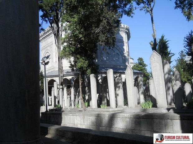 Turism Cultural - Turcia Istanbul Moscheea Suleymaniye mausoleul lui Soliman