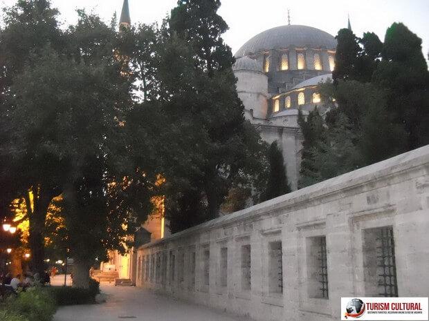Turism Cultural - Turcia Istanbul Moscheea Suleymaniye seara