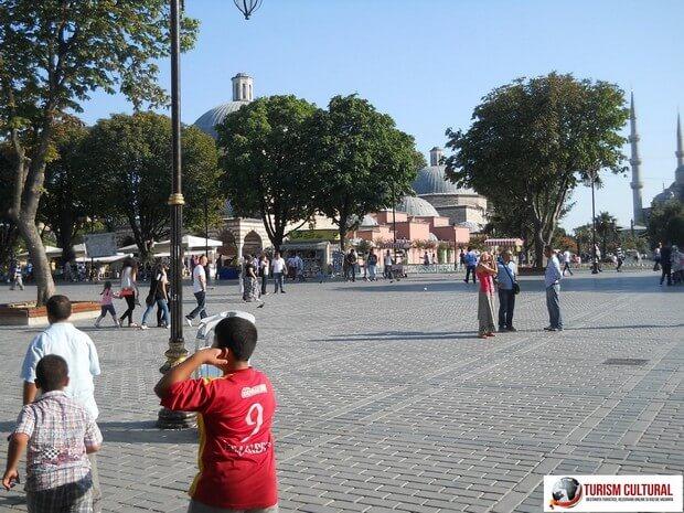 Turism Cultural - Turcia Istanbul Piata Sultanahmet Hurrem hamam