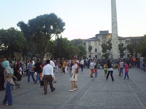Turism Cultural - Turcia Istanbul hipodrom coloana Constantin piata Sultanahmet