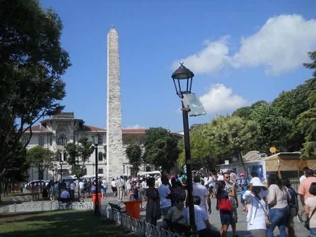 Turism Cultural - Turcia Istanbul hipodrom coloana Constantin Porphyrogenetus