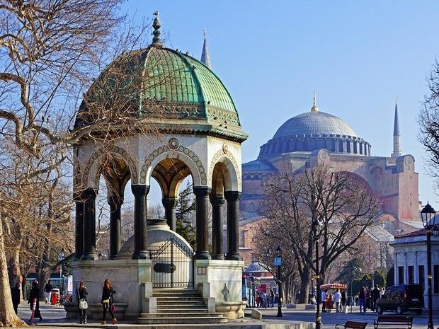Turism Cultural - Turcia Istanbul hipodrom fantana germana