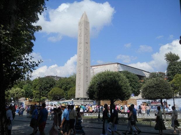 Turism Cultural - Turcia Istanbul hipodrom obelisc Theodosius