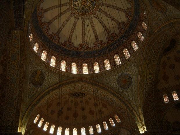 Turism Cultural - Turcia Istanbul Moscheea Albastra cupola principala
