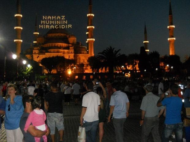 Turism Cultural - Turcia Istanbul Moscheea Albastra noaptea