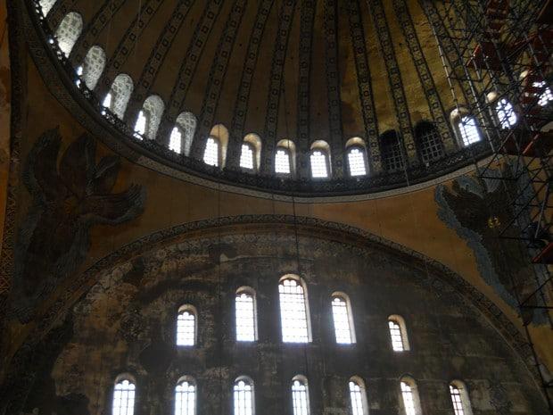 Turism Cultural - Istanbul Sfanta Sofia doi ingeri