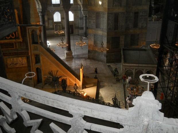 Turism Cultural - Istanbul Sfanta Sofia minbar