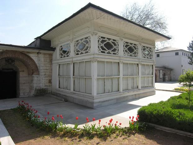 Turism Cultural - Turcia Istanbul Palatul Topkapi pavilionul canapelelor