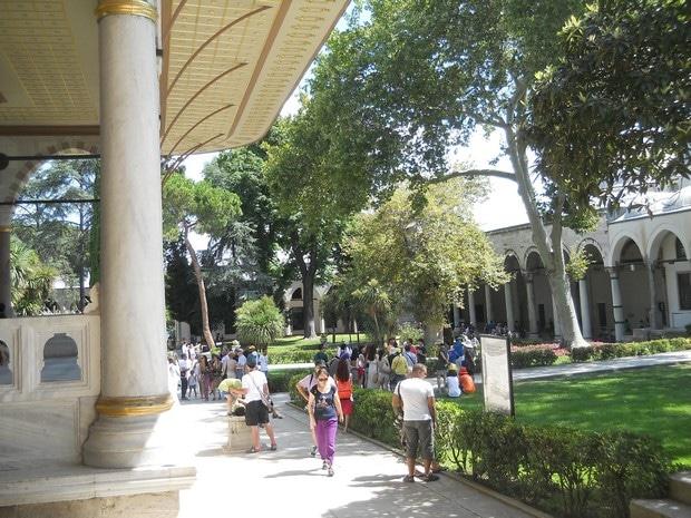 Turism Cultural - Turcia Istanbul Palatul Topkapi pavilionul Fatih dreapta