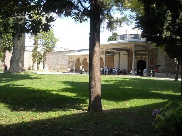 Turism Cultural - Turcia Istanbul Palatul Topkapi poarta fericirii