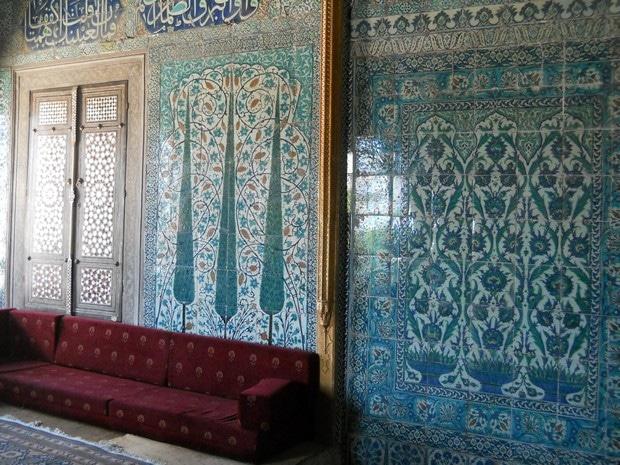 Turism Cultural - Istanbul harem faianta Iznik