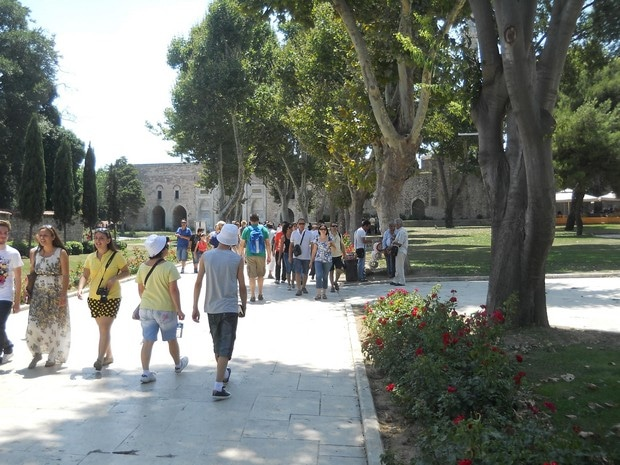 Turism Cultural - Istanbul Palatul Topkapi iesire poarta imperiala