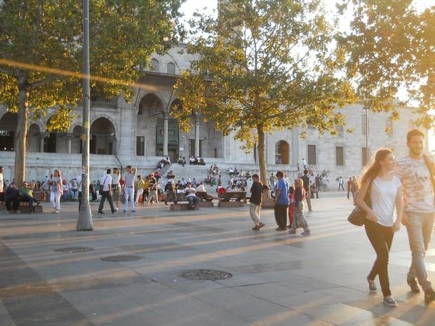 Turism Cultural - Istanbul Noua Moschee Yeni Camii parcul