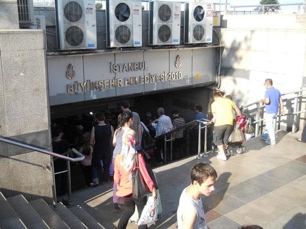 Turism Cultural - Istanbul Podul Galata pasaj subteran
