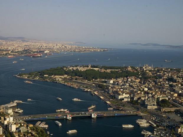Turism Cultural - Istanbul Podul Galata vedere aeriana