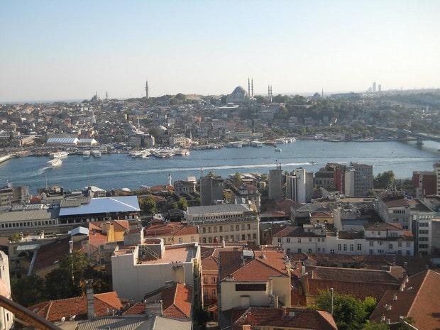 Turism Cultural - Istanbul Turnul Galata Cornul de Aur