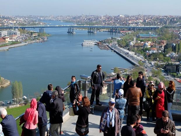 Turism Cultural - Istanbul Cafeneaua Pierre Loti terasa