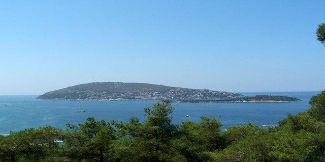 Turism Cultural - Istanbul Insula Burgazada vedere aeriana