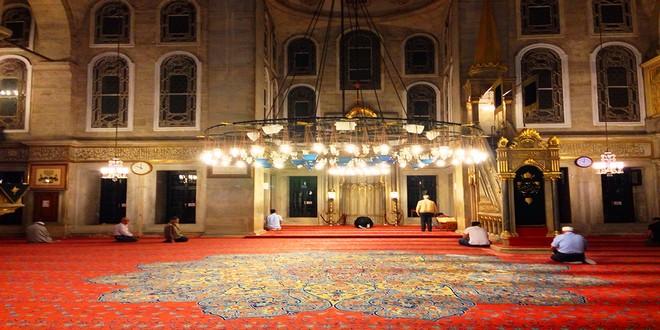 Turism Cultural - Istanbul Moscheea Eyup interior