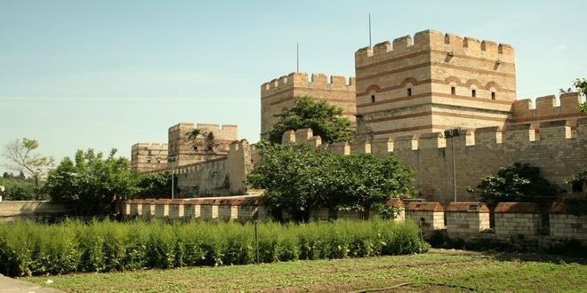 Turism Cultural - Istanbul zidurile lui Theodosius