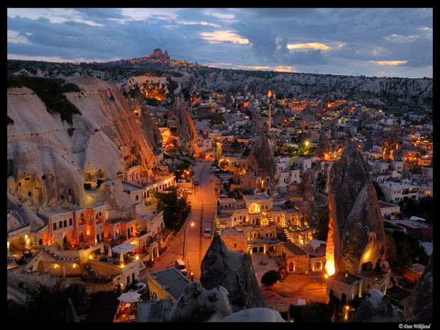 Turism Cultural - Cappadocia Goreme noaptea